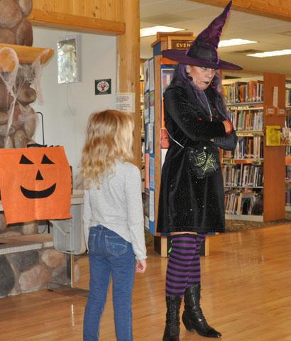 Magic Lady Jania Taylor Wanda Wacky Witch Halloween Themed Show